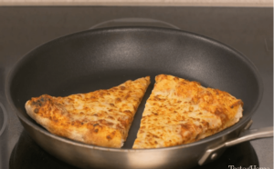 reheat pizza in a pan
